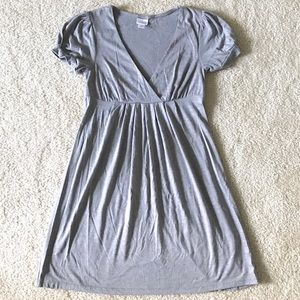 Xhiliharation Gray V Neck Empire Waist Dress - XS